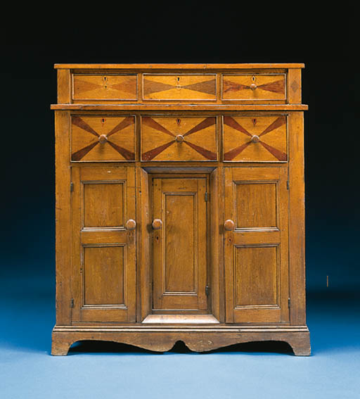 AN INLAID WALNUT CUPBOARD WITH