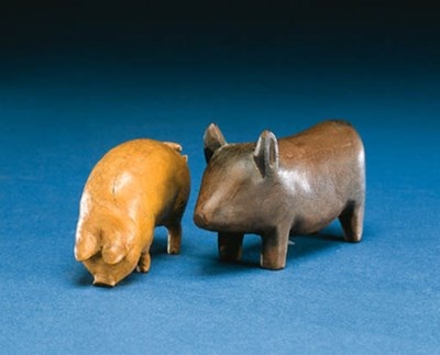 TWO SMALL CARVED WOOD ANIMALS