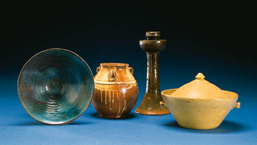A GROUP OF GLAZED EARTHENWARES