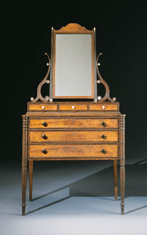 A FEDERAL CARVED MAHOGANY AND