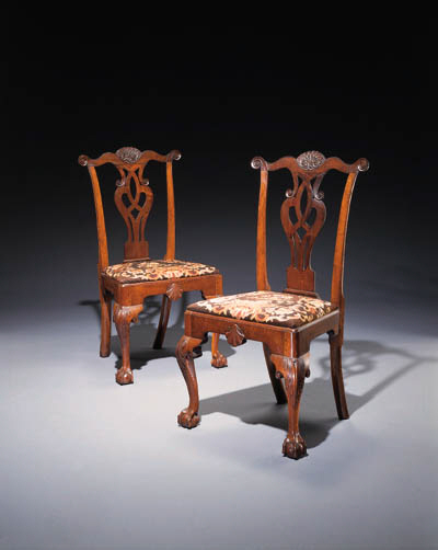 A PAIR OF CHIPPENDALE CARVED W