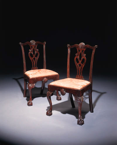 A PAIR OF CHIPPENDALE MAHOGANY
