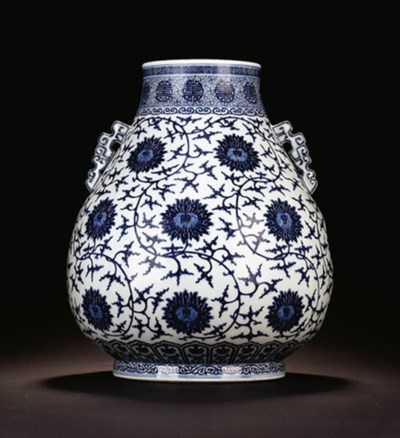 A LARGE MING-STYLE BLUE AND WH