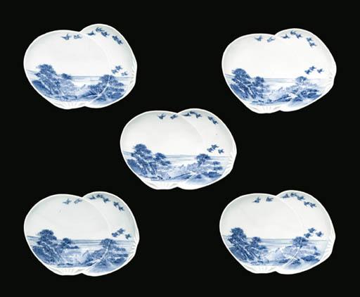 A SET OF FIVE HIRADO MUKOZUKE