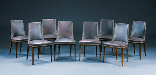 A SUITE OF EIGHT UPHOLSTERED W