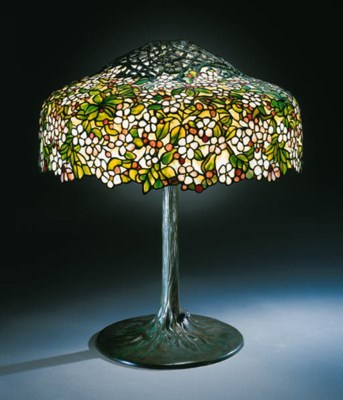 AN 'APPLE BLOSSOM' LEADED GLAS