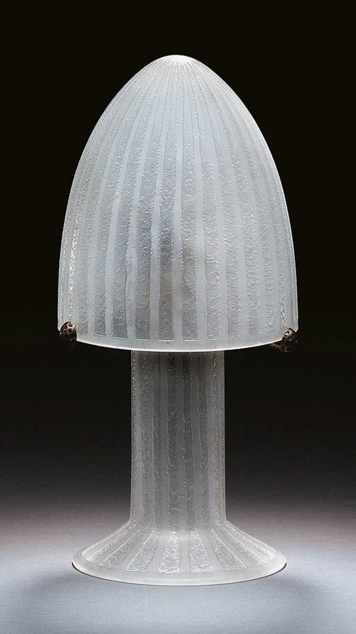 AN ETCHED GLASS TABLE LAMP