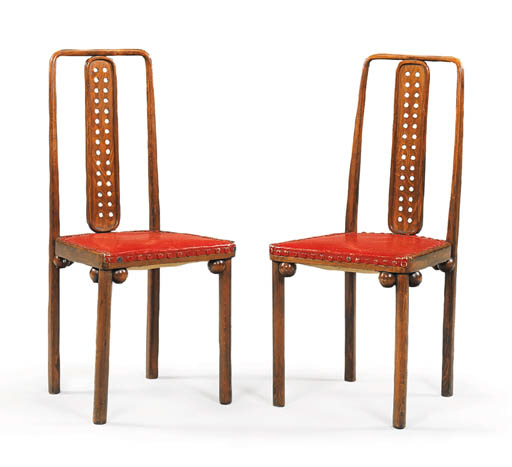 A PAIR OF BENTWOOD SIDE CHAIRS