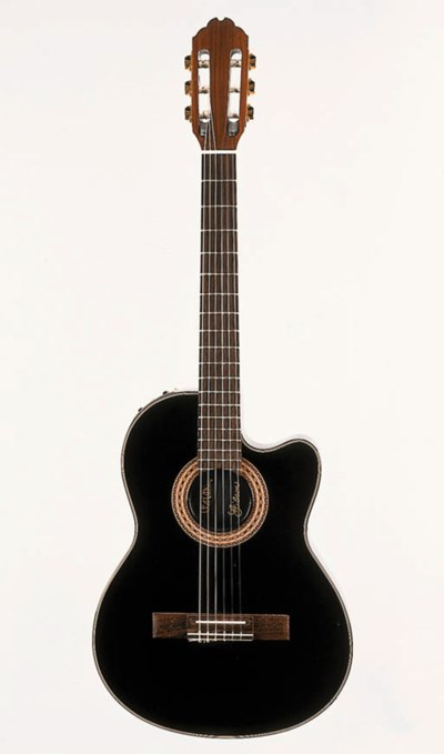 A 1990 Gibson Chet Atkins Stan
