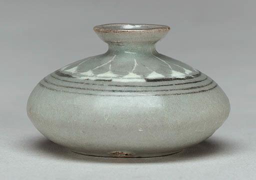 An Inlaid Celadon Oil Bottle