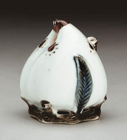 A Peach-Form Porcelain Water D