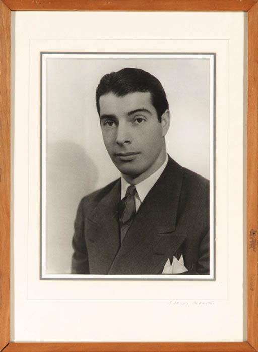 A PHOTOGRAPH OF JOE DIMAGGIO