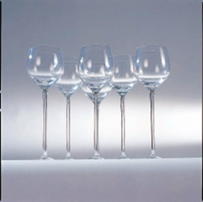 A GROUP OF COLORLESS GLASS STE