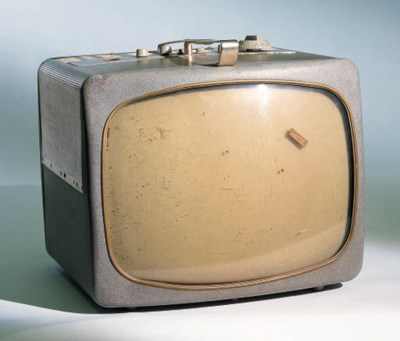 A MAGNAVOX 13 CHANNEL TELEVISI