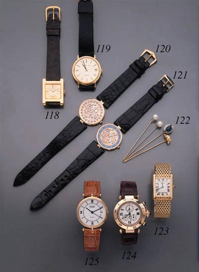 Cartier. An 18K gold chronogra