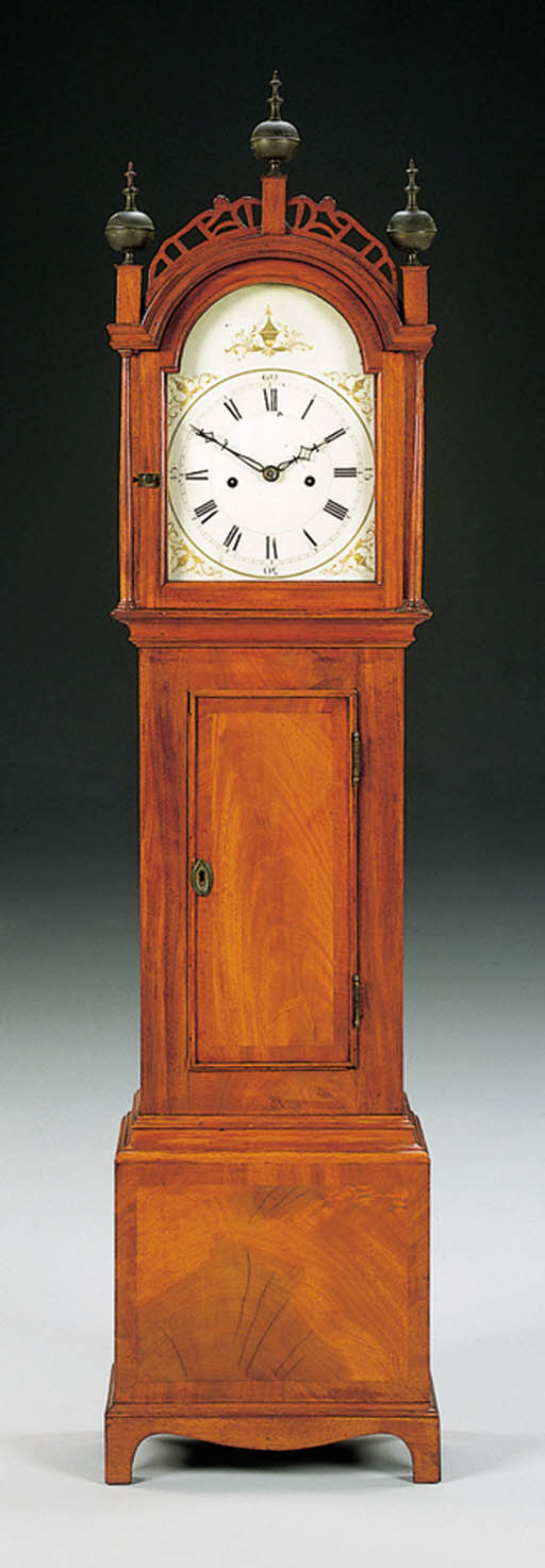 A FEDERAL MAHOGANY DWARF CLOCK