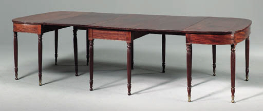 A FEDERAL CARVED MAHOGANY DINI