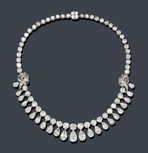 AN ELEGANT DIAMOND FRINGE NECK