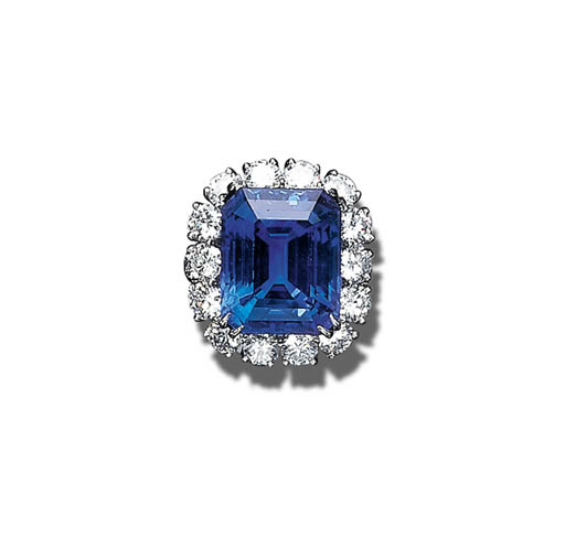 A SAPPHIRE AND DIAMOND RING, V