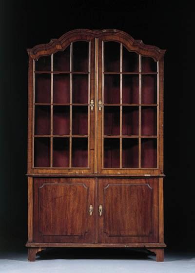 A Dutch mahogany display cabin