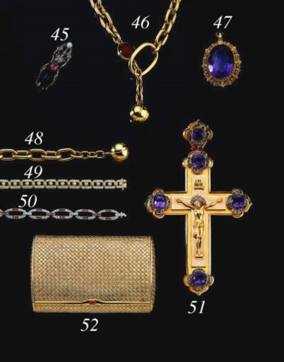 AN ANTIQUE GOLD AND AMETHYST P