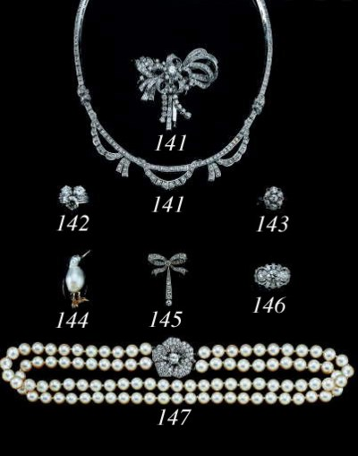 A CULTURED PEARL DOUBLE STRAND