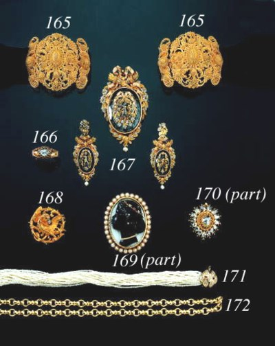 AN ANTIQUE GOLD AND CRYSTAL DE