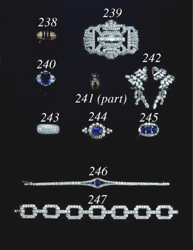 AN ART DECO DIAMOND AND PLATIN
