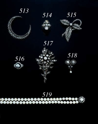 A DOUBLE STRAND CULTURED PEARL