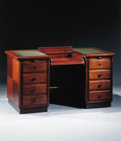 An English writing desk