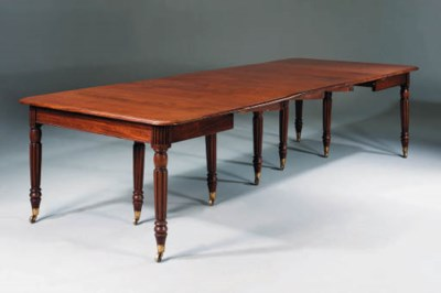 A GEORGE IV MAHOGANY EXTENDING