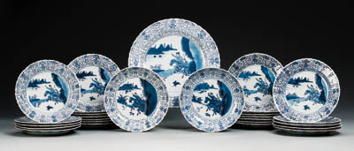 A SET OF BLUE AND WHITE DISHES