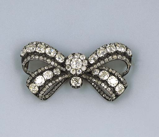 A Fine Antique Diamond Bow Bro