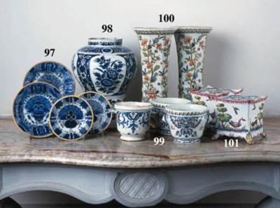 A pair of Delft (De Porceleyne