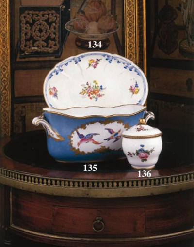 A Sèvres ogee sugar bowl and c