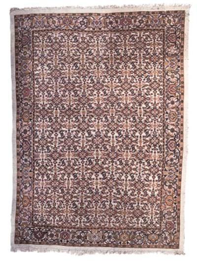 A fine antique Mahal carpet, W