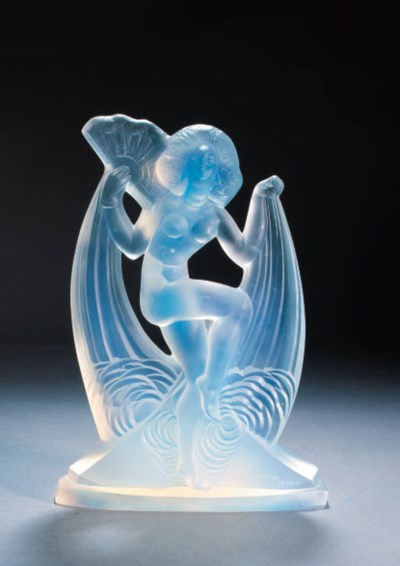 'SIAMOISE' AN OPALESCENT GLASS