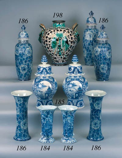 A pair of Delft pottery blue a