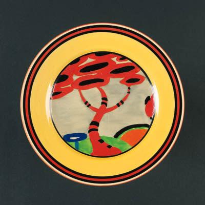 'Appliqué Red Tree' a  'Bizarre' plate