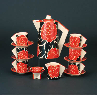 'Latona Red Roses' a Conical coffee set for six