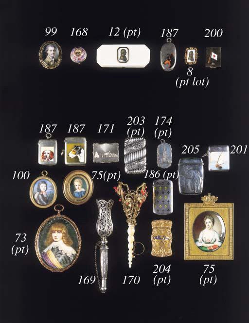 A gold and enamel vinaigrette