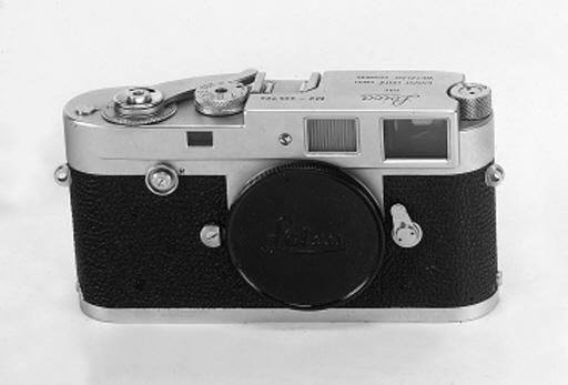 Leica M2 no. 935724