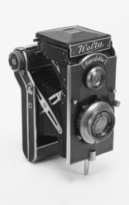 Superfekta TLR camera
