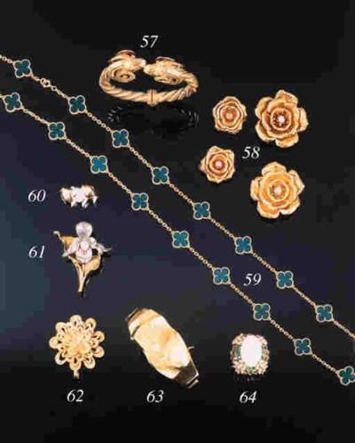 A Van Cleef & Arpels necklace,
