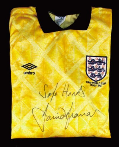 A yellow and black England Int