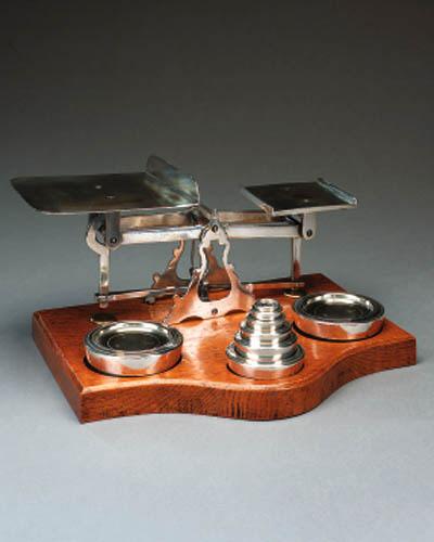 A set of Edwardian silver plat