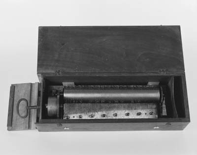 A rare musical box by Reymond-