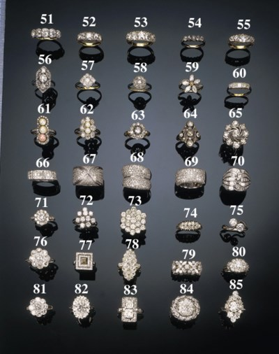 A diamond twelve stone ring,