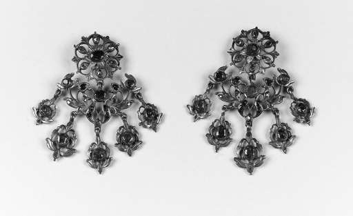 A pair of antique foiled ruby