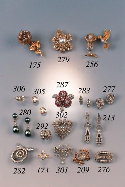 A pair of diamond two stone ea